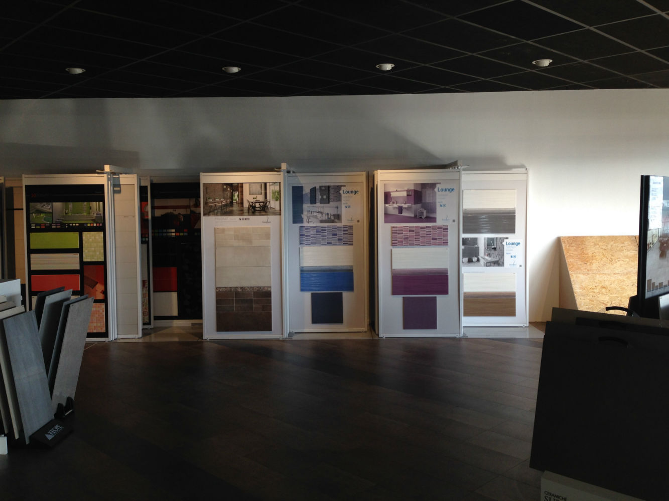 Showroom carrelage dijon fa ence exposition espace for Carrelage auxerre