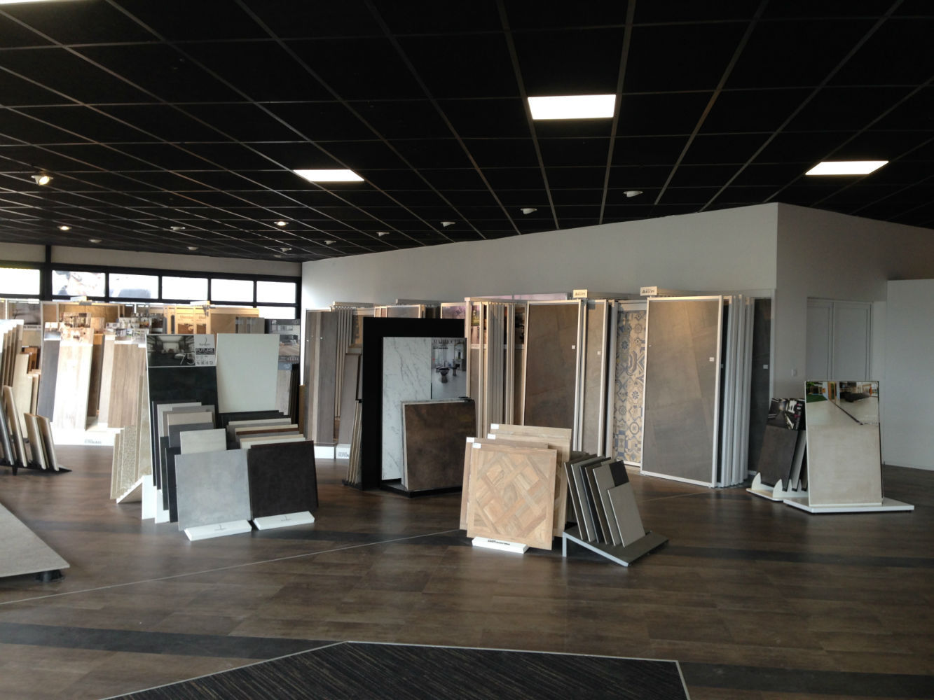 showroom carrelage dijon fa ence exposition espace carrelage. Black Bedroom Furniture Sets. Home Design Ideas